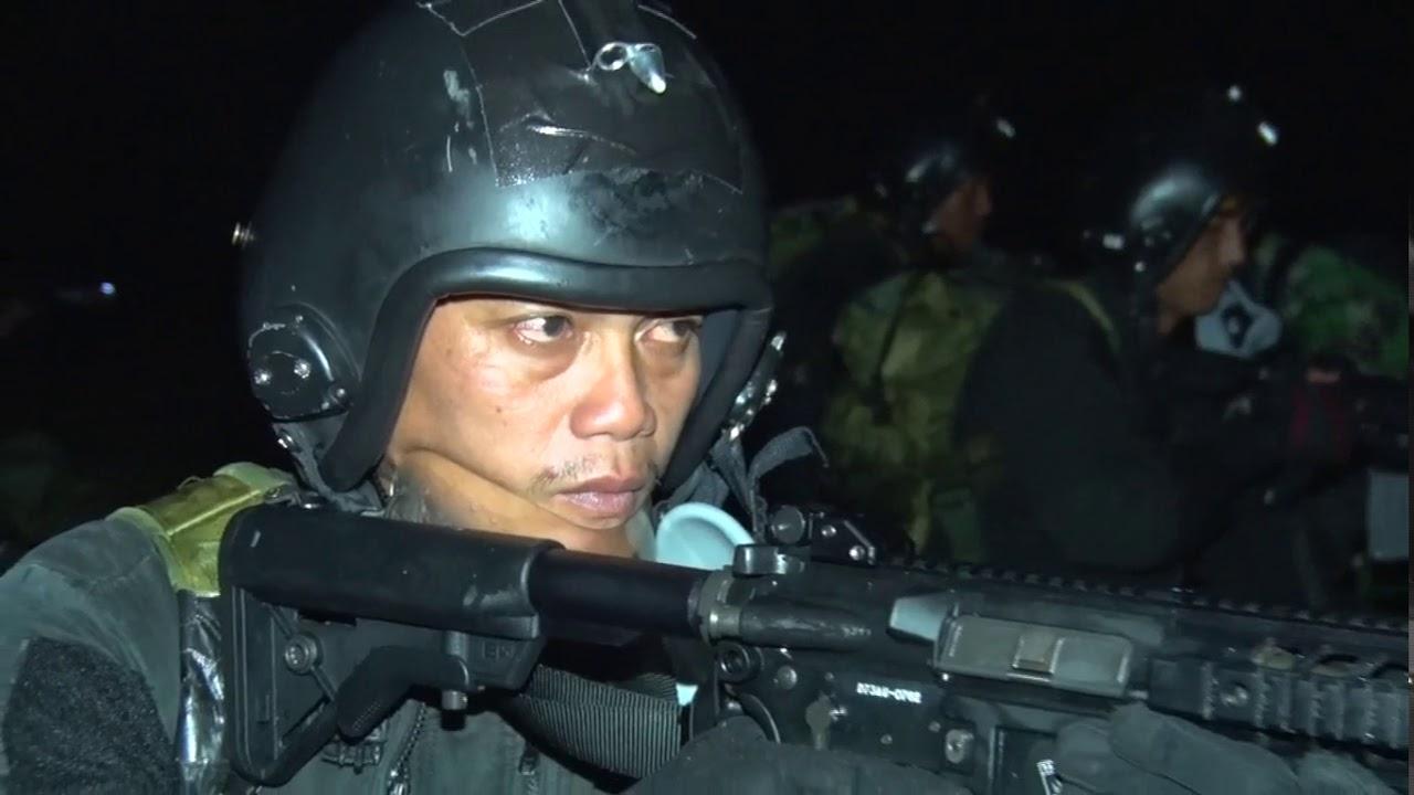 Download Terjun infiltrasi PASKHAS TNI AU pada malam hari. Dalam rangka latihan sikatan daya 2019