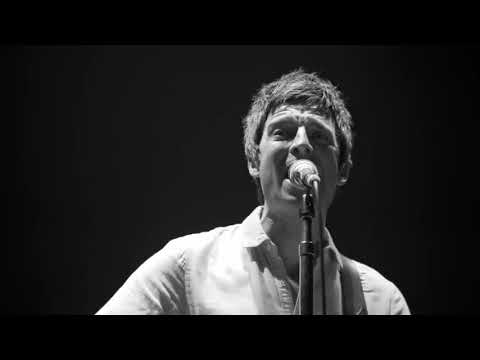 The most elegant version of supersonic (Live Acoustic) Noel Gallagher