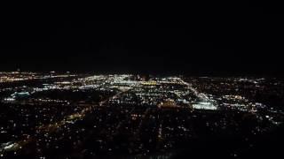Посадка самолета ночью  Невероятно красиво! online video cutter com
