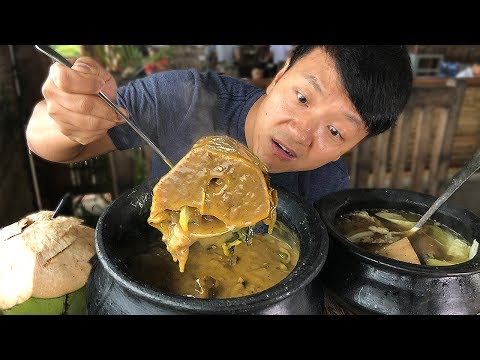 MASSIVE BEEF BONE Soup Insane FILIPINO Food at Targaytay Philippines