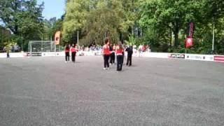 Dansoptreden Dance XL ~ Straatvoetbaltoernooi Wateringen Video