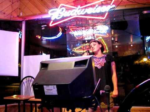 Woodstocks Karaoke - Invader Liz