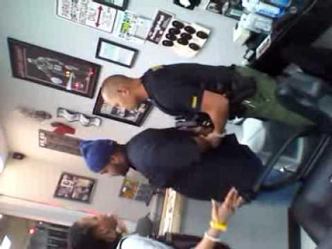 Palm beach  sheriff assaults barber shop