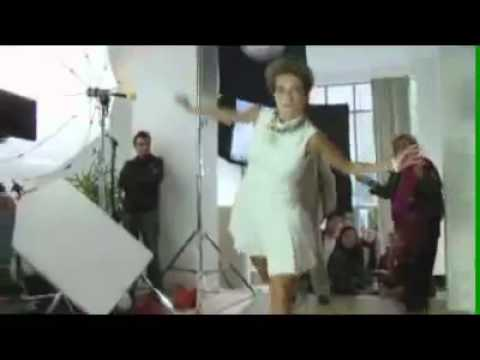 Insane football trick by Sylvie van der Vaart
