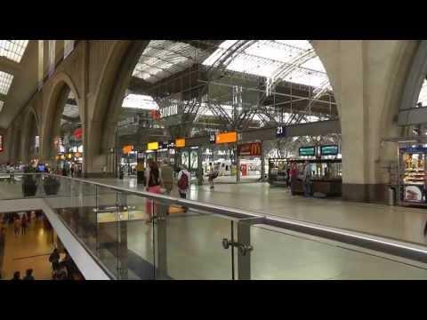 Leipzig: Der Hauptbahnhof ist der größte Europas. Central Station is the largest in Europe