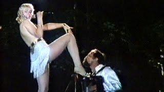 Смотреть клип Lepa Brena - Dama Iz Londona