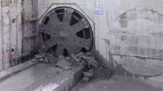 Crossrail Tunnelling: TBM Jessica breaks through into Victoria Dock Portal