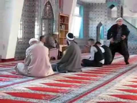 Schone Junge Muslimische Braut Fur Die Hochzeit In Der Moschee Vor