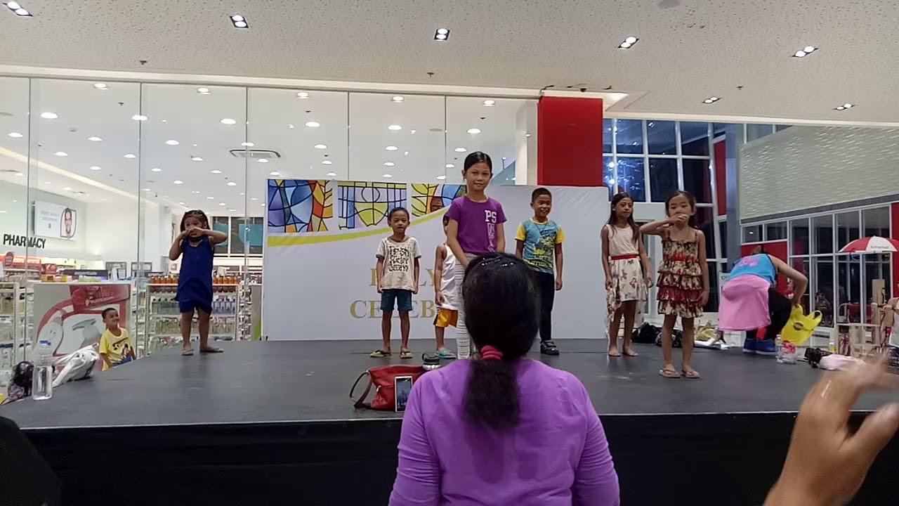 Baby Shark Dance Zumba kids @ city mall - YouTube
