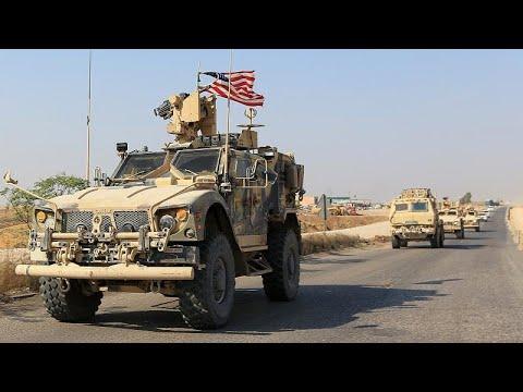 شاهد: الأكراد في شمال سوريا محبطون يرمون الجنود الأميركيين بالبطاطا وهم  ينسحبون…  - نشر قبل 2 ساعة