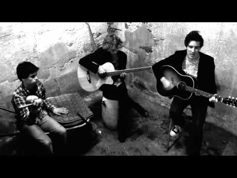 The Paddocks - Soothing Harmony (live unplugged)