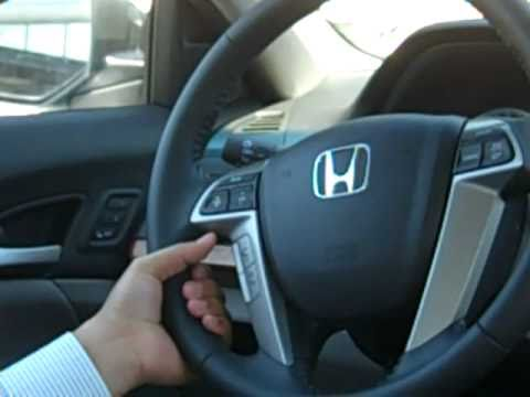 Pair your bluetooth HandsFreeLink - Freeway Honda - YouTube