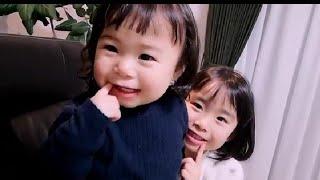 【赤ちゃんはな☆5歳こなつ】カメラを意識した2人(*^^*)