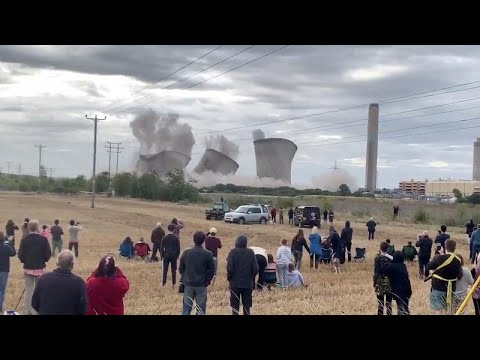 Euronews:Watch: Landmark Didcot cooling towers destroyed in controlled explosion