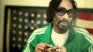 Snoop Dogg Puffs One To Celebrate Bob Marley