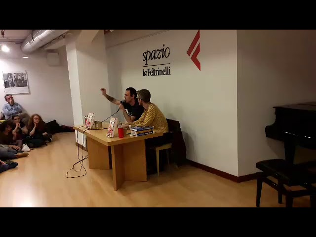 Zerocalcare presentazione Scuola di Pizze in faccia tappa Napoli (07-11-19)