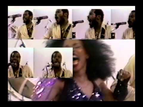 Rufus & Chaka Khan   Do You Love What You Feel   rare promo video