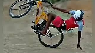 Puchando no grau de bike