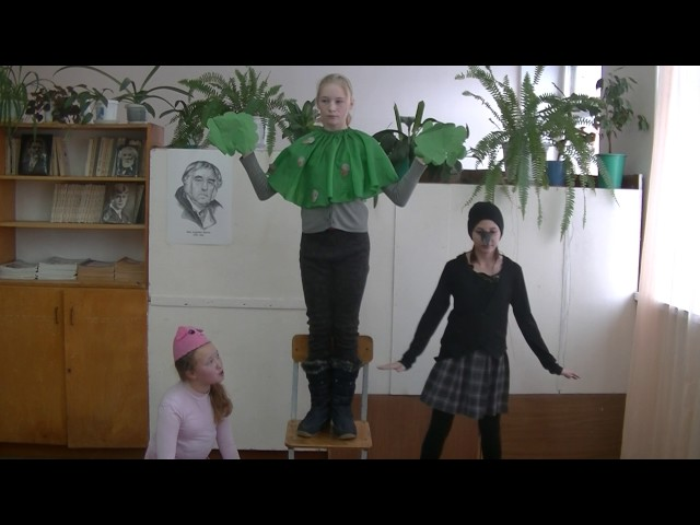 """Изображение предпросмотра прочтения – «Учащиеся 6""""б"""" класса» читает произведение «Свинья под дубом» И.А.Крылова"""