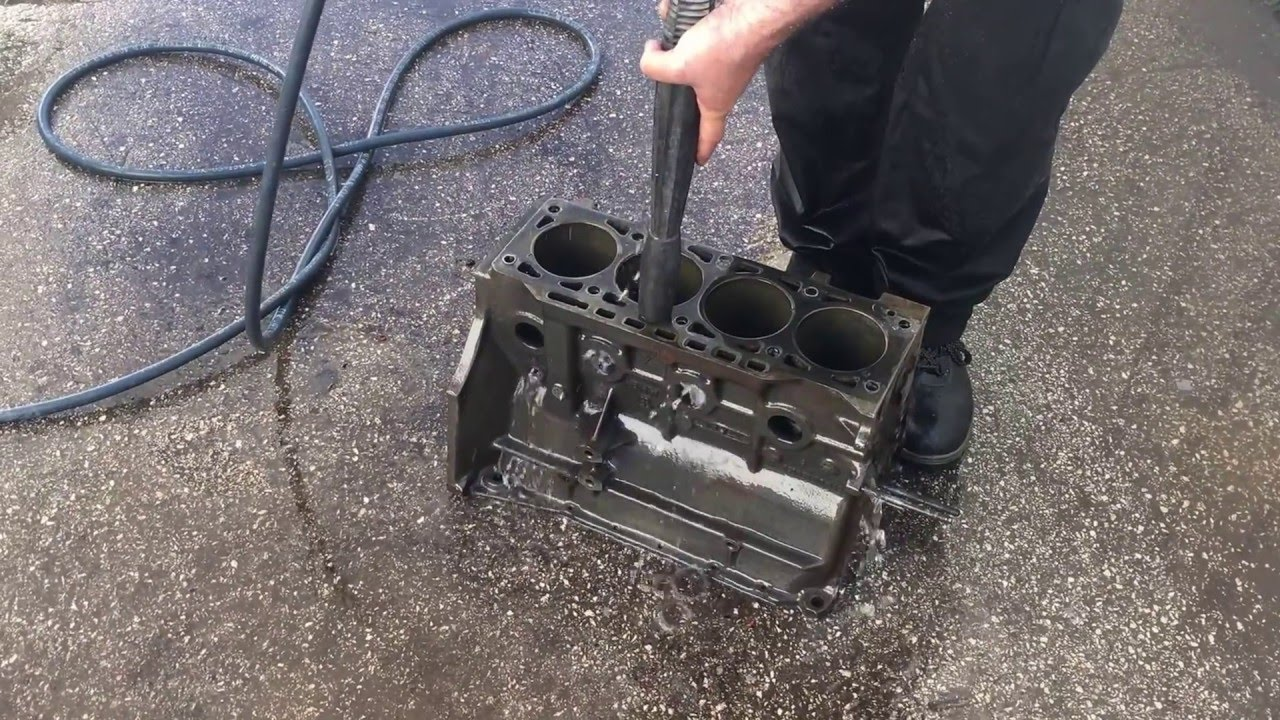 cleaning the bmw m10 engine block after teardown youtube. Black Bedroom Furniture Sets. Home Design Ideas