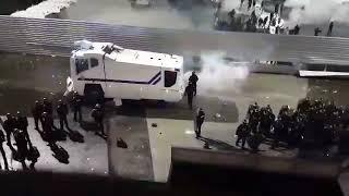 Saint-Etienne vs Lyon : De violents affrontements entre les Ultras Lyonnais et les forces de l'ordre