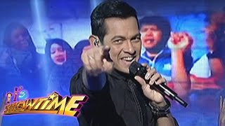 Gary Valenciano gives tribute to Filipino workers