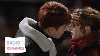 YoonDoojoon kisses KimSohyun just like he did years ago. [Radio Romance Ep 6]