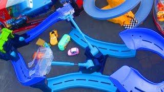Disney Cars 2 Tokyo Spinout Race Track Speedway Launcher Playset! Mattel Toys Mcqueen Pixar Review
