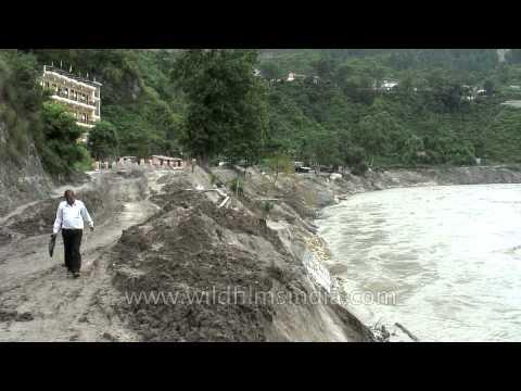 Shiva Lingam lying on river bank: Uttarakhand flood