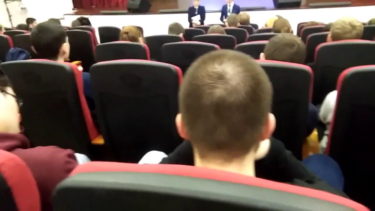 Учителнинтса пртгласила дома учинику фото 757-486