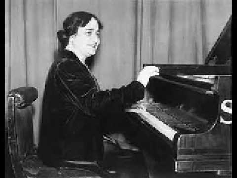 Dame Myra Hess (1890-1965) plays Brahms Capriccio op.76-2 Rec.1928