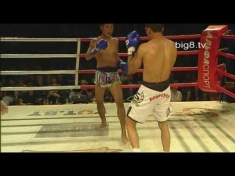 ММА против Муай Тай. MMA Vs Muay Thai