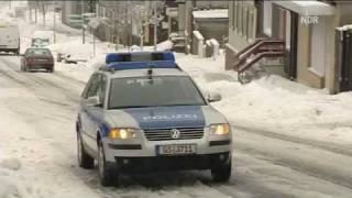 Doku - Nordreportage: Mit Blaulicht durch den Schnee
