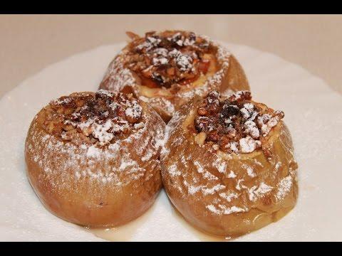 Запеченные яблоки в духовке, простой и вкусный десерт