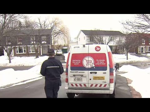 Canada Post Employees Raise Concerns For Their Safety