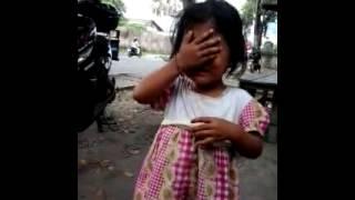 Download Video anak kecil di paksa telanjang MP3 3GP MP4