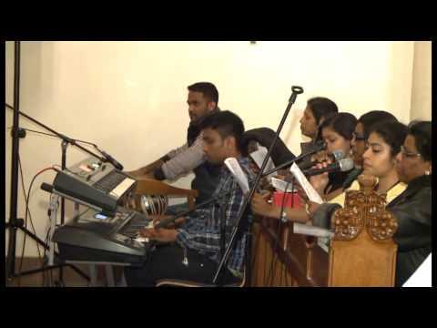 Athisayankal Seypavar Nam Arukil Irukkiraar - Tamil Christian Songs