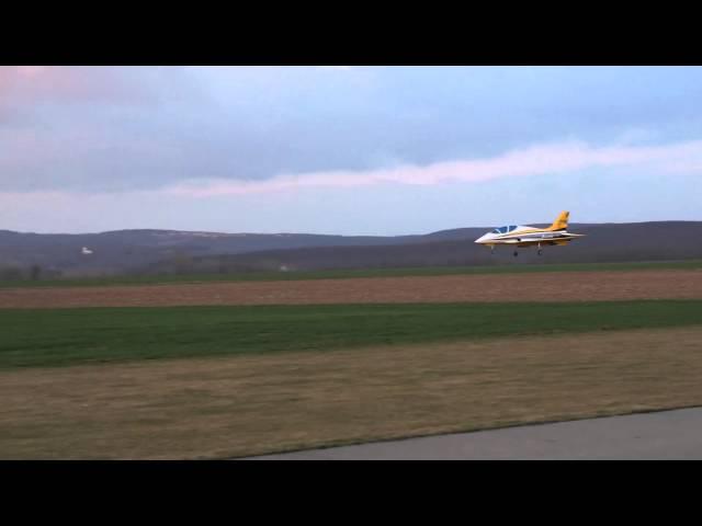 Martin Pasáček Avanti S-FC Krill-Model maiden flight