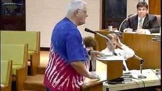 Carpentersville grandpa rebukes attorney on Spanish language