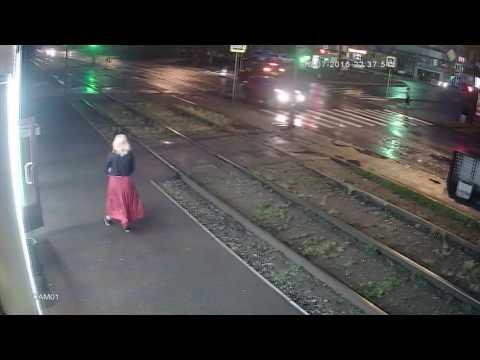 В Екатеринбурге 16 июля Land Cruiser сбил женщину