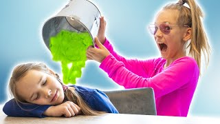 Амелия и Авелина have a bubble slime party