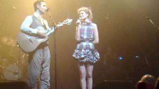Charlie Winston au Zenith de Lille - Soundtrack to falling in love.mp4