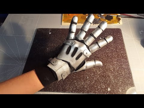 How to make machine gloves with Worbla's Pearly Art (Example: Violet Evergarden)
