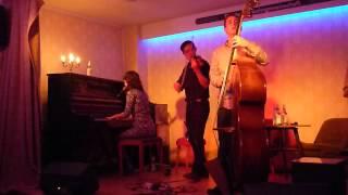 Caroline Keating - They Say, Die WG Cologne, 04.10.2012 [Pt.4/13]