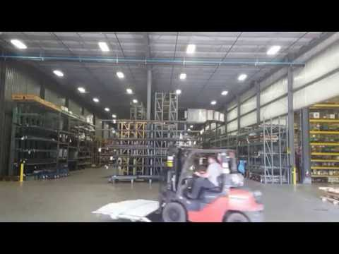FASTEST FORKLIFT EVER 96MPH - YouTube
