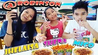 Vlogging in Robinson with cousin and sister