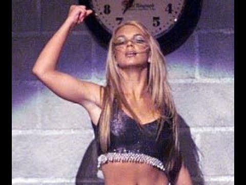 Aly SNX Blog - Some of the iconic moments during the MTV VMAs