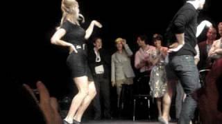 GLEE Cast Members-Single Ladies Dance!