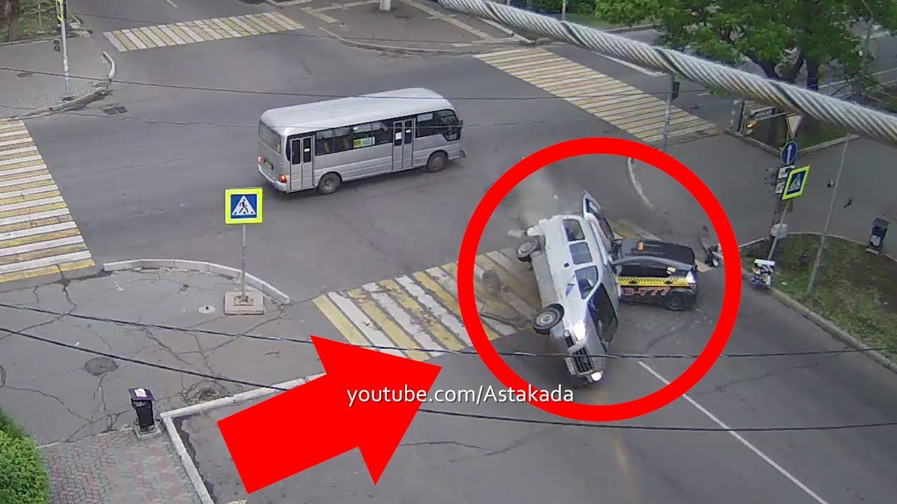 Astakada Уссурийск ДТП 30 мая 2019 ул Некрасова ул Пушкина Пассажирский автобус Hyundai перевернулся