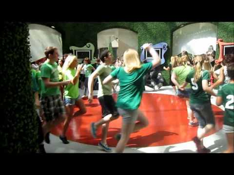 Best surprise Flashmob EVER (Dance With me Tonight)